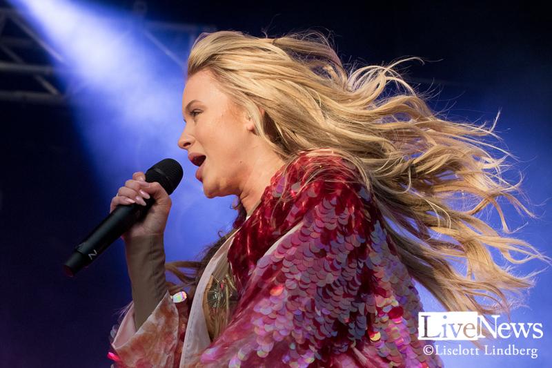 Zara_Larsson_grona_lund_stockholm_2017_013
