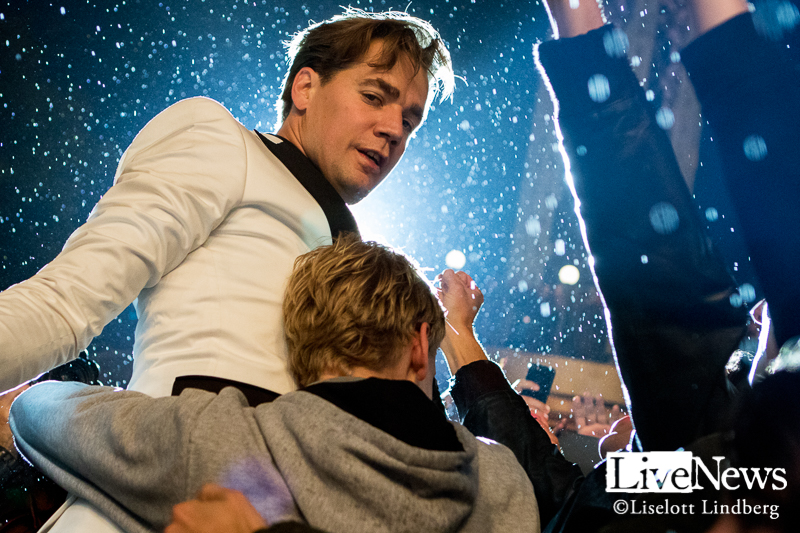 The_Hives_GronaLund_Stockholm_2017_017