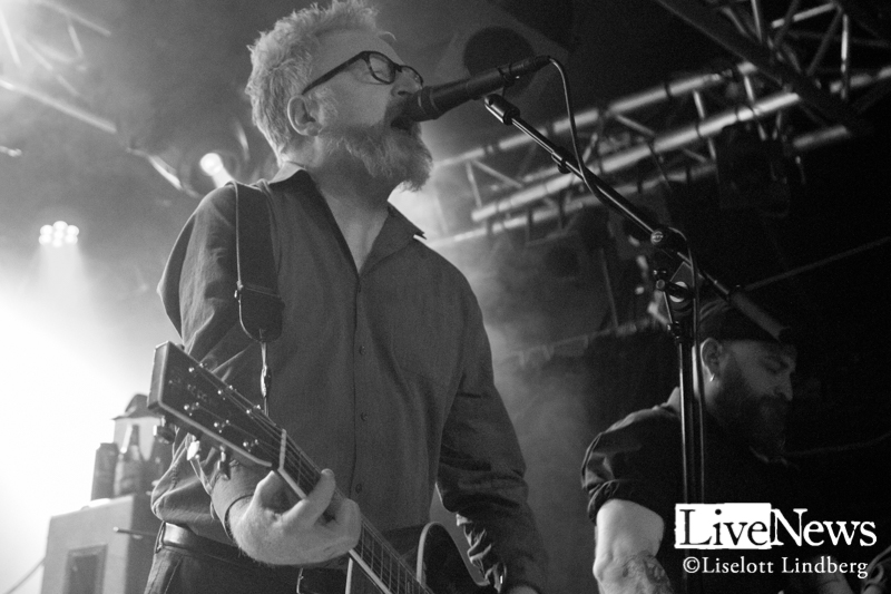 Flogging-Molly-Debaser-2019_01