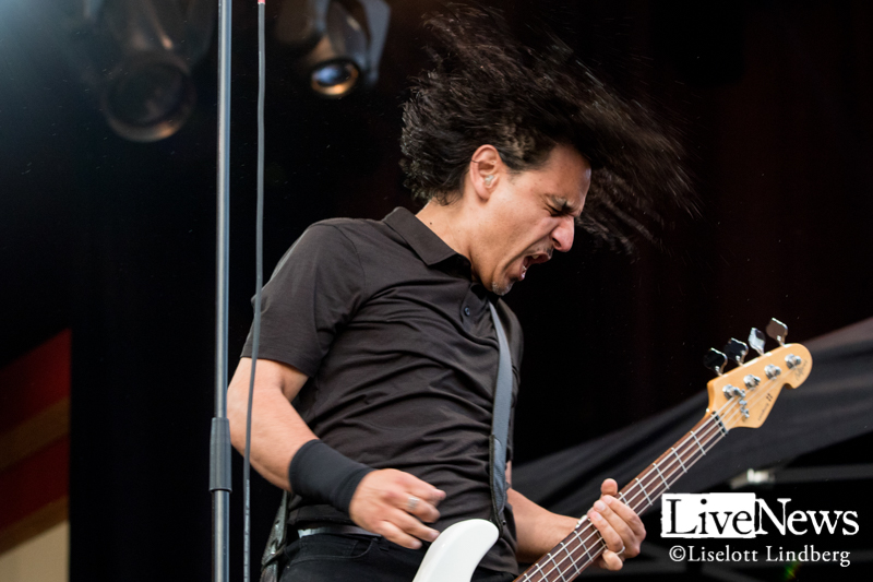 Danko-Jones-GronaLund-2019_11