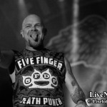 Five-finger-Death-Punch_Bandit_Rock_Awards_2014_05